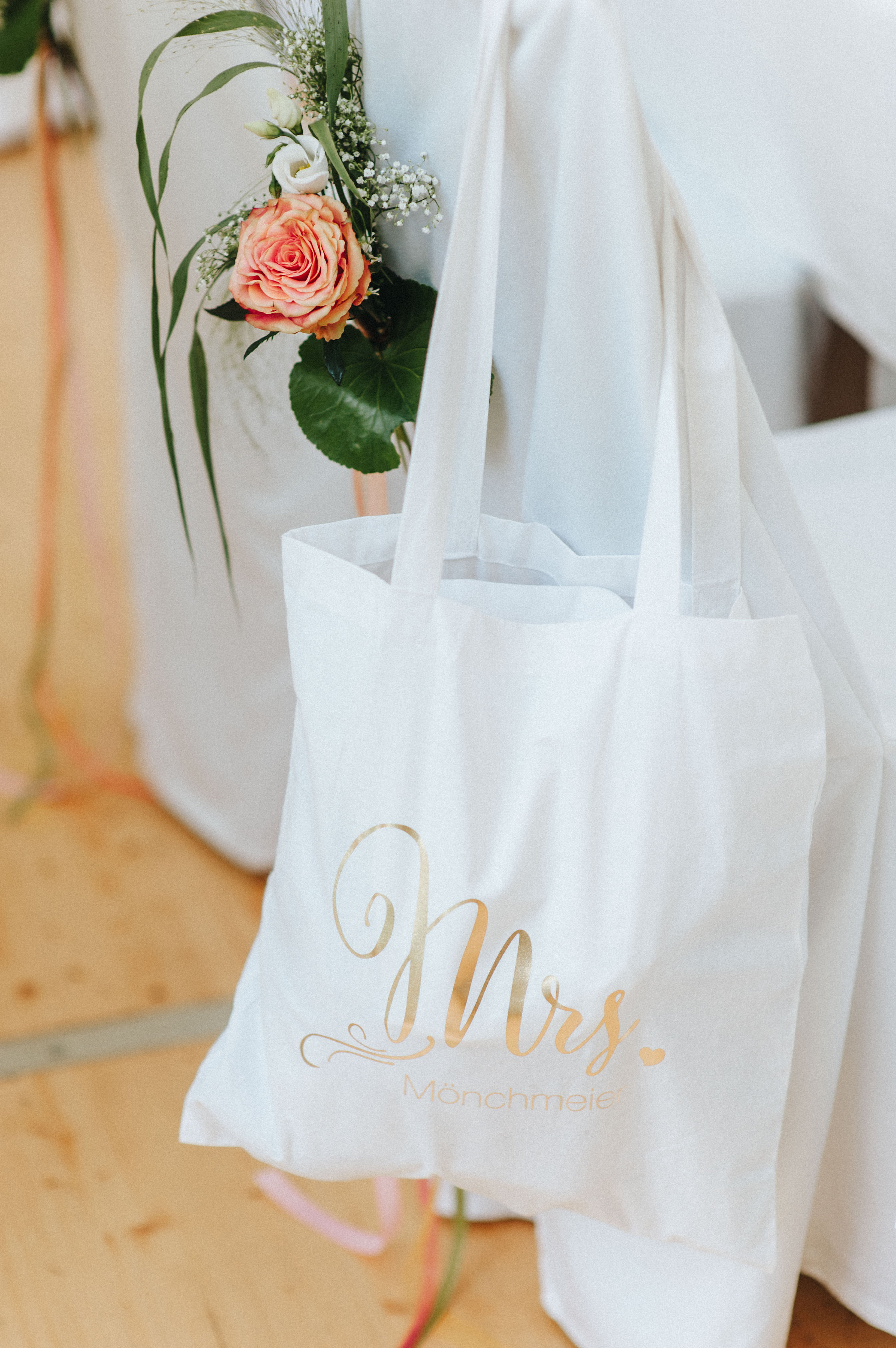 wedding bag Brauttasche Jutebeutel Braut individuelle Brauttasche Design: monsieurmuffin Bestellungen via monsieurmuffin Foto: kreativwedding